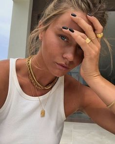 Related posts:Amazing headband and nice makeupMakeup, rings and hatCute gold accessories idea for women Foto Face, Accesorios Casual, Gold Accessories, Fashion Accessories, Cute Jewelry, Gold Jewelry, Hippie Jewelry, Turquoise Jewelry, Diy Jewelry
