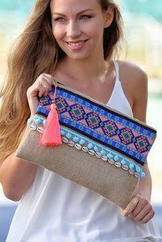 dim 25 x 35 minimum Diy Clutch, Clutch Bag, Shabby Chic Stil, Embroidery Bags, Jute Bags, Boho Bags, Fabric Bags, Summer Bags, Knitted Bags