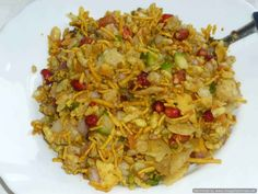 Ocean of Recipes Indian Chicken Dishes, Indian Chicken Recipes, Indian Food Recipes, Ethnic Recipes, Bhel Puri Recipe, Veg Appetizers, Chicken Karahi, Red Curry Chicken, Fish Curry