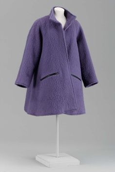 1987, America - Woman's coat by Geoffrey Beene - Wool mohair lined with silk satin