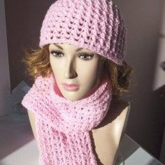 Matching Hat and Scarf ~ FREE Crochet pattern.