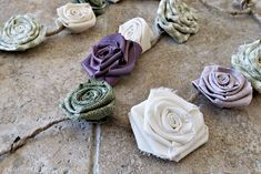 DIY Fabric Flower Garland - A Wonderful Thought Easy Fabric Flowers, Felt Flowers, Diy Flowers, Floral Garland, Flower Garlands, Crafts To Make, Easy Crafts, Fabric Strips, Textile Artists