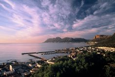 80 Properties and Homes For Sale in Gordons Bay, Western Cape Sa Tourism, Nordic Walking, Most Beautiful Cities, My Land, Afrikaans, Coastal Homes, African Beauty, Countries Of The World, Cape Town