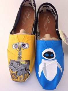 Custom Hand Painted Walle and Eve Styled TOMS Womens Mens Childrens Flats Canvas Shoes from I He . Fashion Now, Women's Summer Fashion, Fashion Shoes, Fashion Outfits, Fashion Bags, Runway Fashion, Fashion Trends, Cheap Toms Shoes, Toms Shoes Outlet