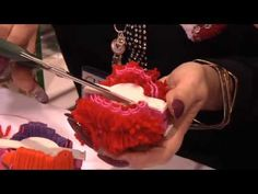 ▶ Clover Heart Pom Pom Maker - YouTube