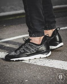 """Nike Lupinek Flyknit Low"" Black / Grey | US 8.0 - 11.5 | 180.0 | Now Live @afewstore | @nike @nikesportswear @flyknitclub #Nike #Lupinek #Flyknit #Oreo #teamafew #klekttakeover #womft #sneakerheads #sadp #sneakersaddict #hypebeast #highsnobiety #modernnotoriety #basementapproved #sneakernews #snobshots #hskicks #hypefeet #kicksonfire #complexsneakers #sneakerfreaker #sneakerfreakergermany #praisemag #thedropdate #everysize"