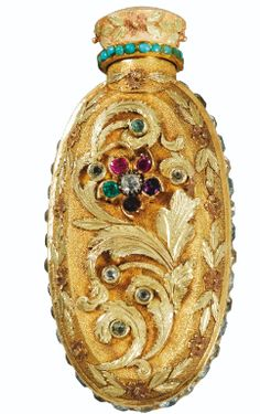AN UNUSUAL JEWELLED THREE-COLOUR GOLD SCENT BOTTLE, PROBABLY LONDON, CIRCA 1820