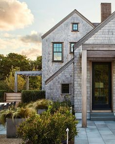 Something big is happening at our home tomorrow—we're starting on the exterior! This photo makes me that much more excited about it (the… Cabin Paint Colors, Orient House, Modern Lake House, Cottage Exterior, Exterior Homes, Cedar Shakes, Stone Barns, River House, Home