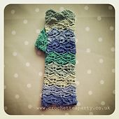 Ravelry: Wave Stitch Fingerless Gloves pattern by Crochet Tea Party