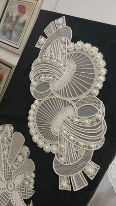 I think this is Romanian Point Lace, also known as Oya Lace. It is a form of Crochet. Crochet Doily Patterns, Crochet Art, Irish Crochet, Crochet Motif, Crochet Designs, Crochet Doilies, Hand Crochet, Cutwork Embroidery, Couture Embroidery