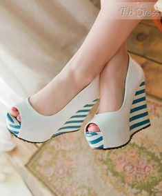 Classic Peep Toe Wedge Heel Stripe Platform Pumps. #platformpumps #platformpumpspeeptoe #platformpumpsoutfit