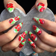 "Ewelina Mak on Instagram: ""After 5 and half hours, finally done  @abbylee_n Red poppies nails on Mr White Gel Polish from @indigonails Poppies are painted by watercolour paints :D #poppy #poppynails #poppies #poppystyle #poppyflower #poppynailart #flowernails #polishgirl #nail #nails #nailart #nailsmade #naildesign #gelnails #paznokcie #pazurki #claws #longnails #red #czerwone #white #białe #leafs #green #nailbar #nailsbyme #maki"""