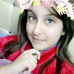 Cozy feels in this chilling cold rush❄️ Beautiful Girl Photo, Beautiful Girl Indian, Beautiful Girl Image, Dehati Girl Photo, Girl Photo Poses, Cool Girl Pictures, Girl Photos, Tunisha Sharma, Blonde Girl Selfie