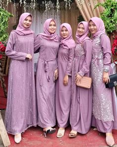 Amazing Outfit Ideas for Every Personal Style Dress Brukat, Hijab Dress Party, Hijab Style Dress, Kebaya Dress, Dress Outfits, The Dress, Casual Hijab Outfit, Dress Girl, Dress Brokat Muslim