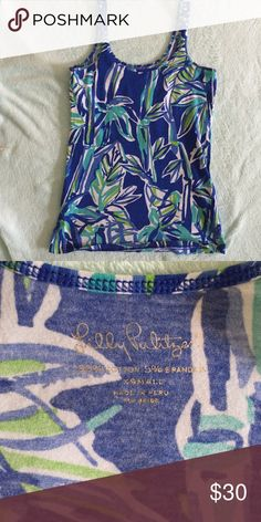 Lily Pulitzer xs tank top Like new condition and super cute. Size xs Lilly Pulitzer tank top. Please feel free to ask any questions if needed :-) Lilly Pulitzer Tops Tank Tops