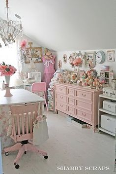 Shabby chic @ Gail Mosher McCluskey, this would be cute for a little girl's room. Desk instead of sewing machine. Child size table and chairs.  I could see this for Emma