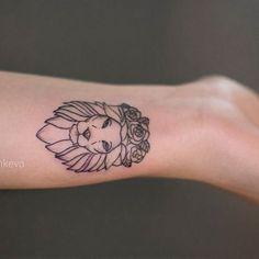 Afbeeldingsresultaat voor lion tattoo minimal