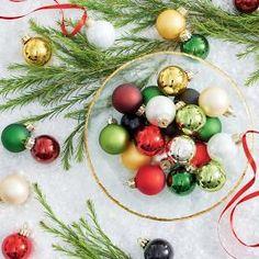 Wall Hanging Christmas Tree, Christmas Window Decorations, Christmas Tree Farm, Christmas Bows, Simple Christmas, Christmas Crafts, Christmas Fireplace, Rustic Christmas, Christmas Trees