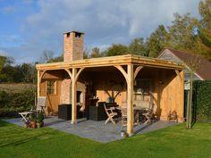 Eiken bijgebouw - Eiken terrasoverdekking in de tuin met haard - Volledig eikenhout