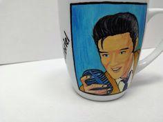 Handmade by Do : Personalised painted mugs/ Cani pictate manual, cu. Painted Mugs, Hand Painted Ceramics, Transformers Optimus, Star Wars Darth, Obi Wan, Elsa Frozen, Ceramic Mugs, Lego City, Caricature