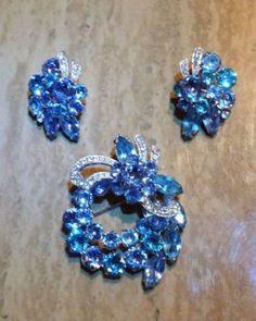 SIGNED VINTAGE 60's EISENBERG ICE LIGHT BLUE EARRINGS BROOCH SET RHINESTONE