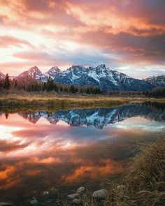 """7,496 Likes, 35 Comments - National Park Geek® (@nationalparkgeek) on Instagram: """"Pretty sunsets are predicted at Grand Tetons. •••••••••• Thanks to Kurtis @kurtisminster for the…"""""""