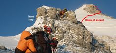 Climbers on Everest's Third Step, with the summit route indicated in red. Monte Everest, Rock Steps, Climbing Everest, Day Camp, Mountain Climbing, Mountaineering, Climbers, Nepal, Finals