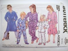 Vintage BUTTERICK SEWING PATTERN 4052 TODDLERS ROBE PAJAMAS SZ  4 5 6 UC/FF