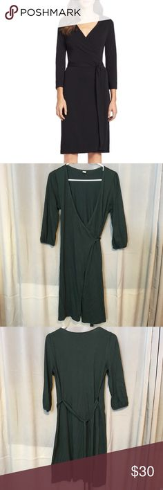 Jet Black Wrap Dress 💋 Beautiful dress. Super soft and stretchy. Full wrap dress so you can style the tie any way you want. Quarter length sleeves. Excellent condition. 😘 Old Navy Dresses