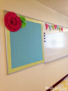 Crafty Teacher Lady: Classroom Tour: Decorations & Organization on Home Decor Ideas 5760 Classroom Whiteboard Organization, Classroom Bulletin Boards, New Classroom, Classroom Setup, Classroom Design, Kindergarten Classroom, Classroom Color Scheme, Fabric Bulletin Board, Classroom Websites