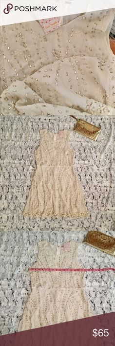 💿 Free People 💿 NWT 💿 Embellished Off White Crochet Hem 💿 Only tried on once never worn 💿 This dress is very pretty! 💿 🌪 Firm Price 🌪 Free People Dresses Midi