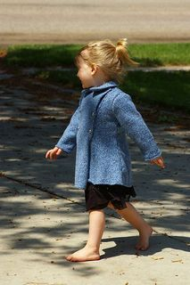 A tailored outdoor coat, double-breasted with a neat collar. Has matching leggings and bonnet. Free Childrens Knitting Patterns, Free Knitting, Baby Knitting, Outdoor Coats, Toddler Sweater, Coat Patterns, Double Breasted, Cold Shoulder Dress, Ravelry