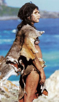 Prehistoric Man, Prehistoric Creatures, Creepy Old Photos, Stone Age People, Indigenous Tribes, Early Humans, Human Evolution, African Tribes, Science And Nature