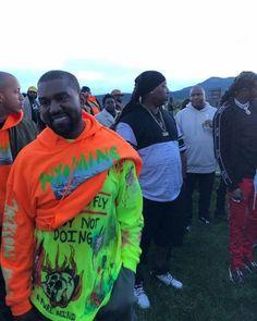 Kanye West wearing and Yeezy Hoodies Kanye West Albums, Kanye West Songs, Kanye West Style, New Kanye, Kim And Kanye, Kanye West Smiling, Kenye West, African American Artist, Mardi Gras