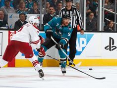 San Jose Sharks forward Martin Havlat makes an up ice pass (Nov. 2, 2013).