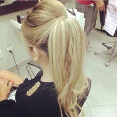 Lindo penteado da @biancasachetolivo