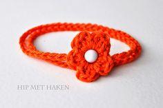 Crochet orange bracelet Kingsday. Gehaakte oranje armband Koningsdag. Gratis patroon.