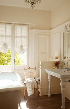 A lovely Gustavian style bedroom   ZsaZsa Bellagio - Like No Other