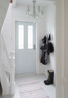 Clean and Simple Winter Decor Inspiration - Tidbits Entryway Stairs, Entry Hallway, White Hallway, Foyer Decorating, Interior Decorating, Decorating Ideas, Farmhouse Front, White Farmhouse, Cozy Cottage