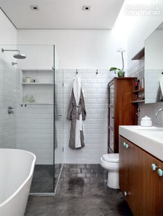 Surf this site loaded with details on Dyi Bathroom Ideas Bathroom Inspiration, Remodel, Bathrooms Remodel, Bathroom Interior Design, Bathroom Decor, Home, Bathroom Design, Small Bathroom Remodel, Cool Apartments