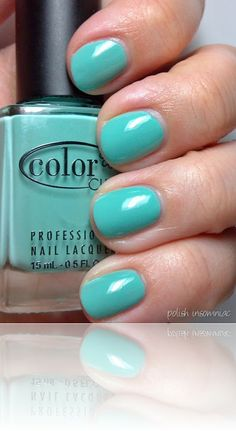 Color Club's New Bohemian, a turquoise mint