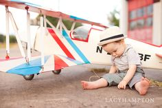 Lacy Hampton Photography  #ChildPhotography #TexasPhotographer  Photoshoot with vintage airplane