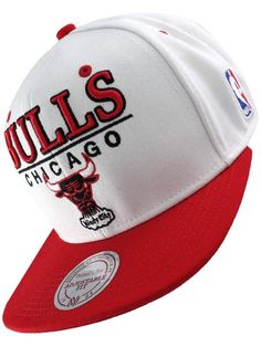 7d189492ca436 Snapback Mitchell and Ness - Casquette Chicago Bulls M