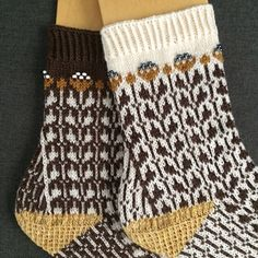 My Pocket, Knitting Socks, Mittens, Color Combinations, Ravelry, Knitting Patterns, Knit Crochet, Slippers, Plaid