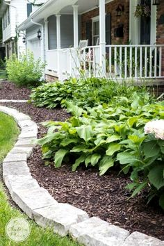Beautiful small backyard landscape designs can be hard to achieve, as a small yard requires good space management. Gardening, decor and much more on hackthehut.com #yardideias #landscaping #landscapedesign