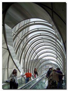 """Fosteritos"", Metro Bilbao, Design Norman Foster, by jmhdezhdez Dynamic Architecture, Architecture Program, Famous Architecture, School Architecture, Norman Foster, Bilbao, 30 St Mary Axe, Places In Spain, Foster Partners"