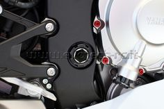 #YamahaR1 swingarm ergal nut dado forcellone