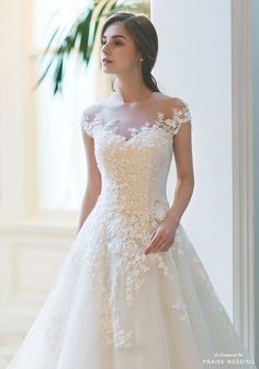 This classic wedding dress from Sonyunhui featuring delicate blooming lace detailing is so incredibly breathtaking!, classic wedding dress from Sonyunhui featuring delicate blooming lace detailing is so incredibly breathtaking! Classic Wedding Dress, Wedding Dress Trends, White Wedding Dresses, Bridal Dresses, Lace Wedding, Gown Wedding, Wedding Ideas, Wedding Rings, Wedding Cakes