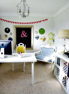 @Rebecca Vitt This reminds me of your craft room. Totally doable!