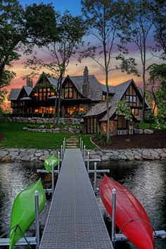 Nadire Atas Lakeside Living Exterior image from a Stonewood LLC custom home build Cabin Homes, Log Homes, Cottage Homes, Custom Home Builders, Custom Homes, Haus Am See, Design Exterior, My Dream Home, Dream Homes